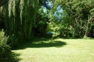 Une partie du jardin côté seine.